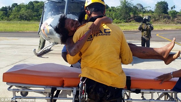 Mother and Baby Found Alive 5 Days After Columbia Plane Crashed in the Jungle 3