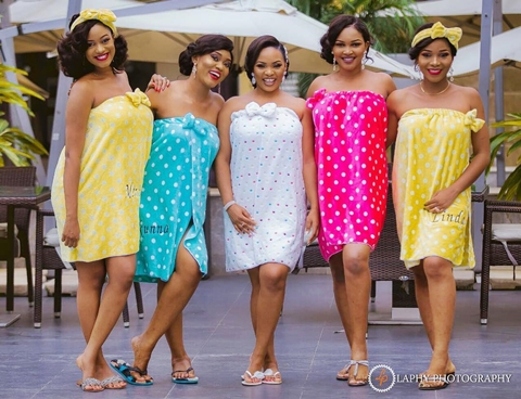 So Colourful! These Adorable Photos of Beautiful Bridesmaids in Towels will Melt Your Heart (Photo)