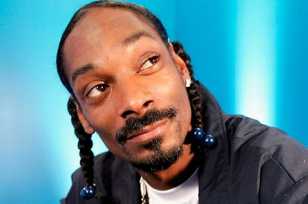 Wow! See How American Rapper, Snoop Dogg Reacted to This Incredible Motorcycle Stunts at Ooni's Otisese Carnival (Video)