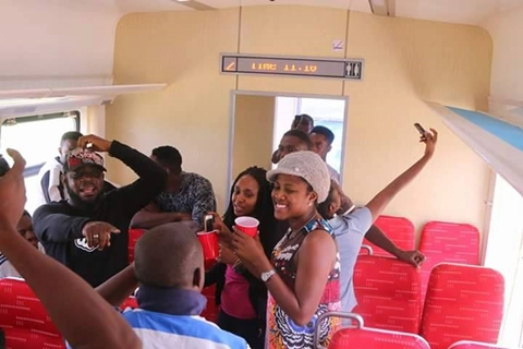 Nigerians Show-off Their Excitement as Abuja-Kaduna Train Service Offers Free Ride (See Photos)