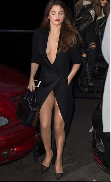 Omg! Selena Gomez Exposes Her Private Parts As She Suffers ...
