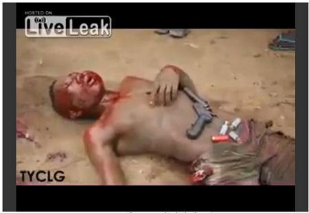Shocking Moment an Armed Robber is Beaten and Burnt Alive (See Photos)