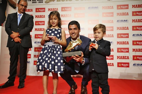 Luis Suarez Receives 'European Golden Boot' Award After Prolific Season with Barcelona