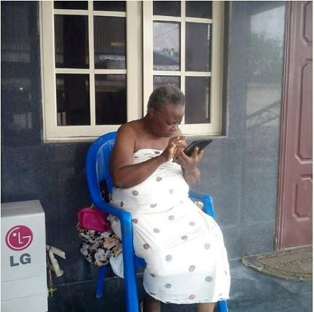 Meet the 72-year-old Nigerian Grandmother Who Loves Facebooking and Checking Out Photos on Instagram [U Will Nt Believe What People R Saying About Her]