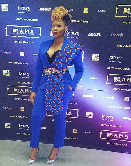My MAMA Award Shows I'm Not Meant for the Kitchen, the Other Room – Yemi Alade