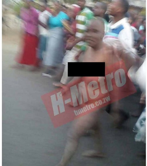 Omg! See the N*ked Witch Caught While Trying to Steal a