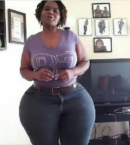 See an edo babe shaking her big ass - 2 6
