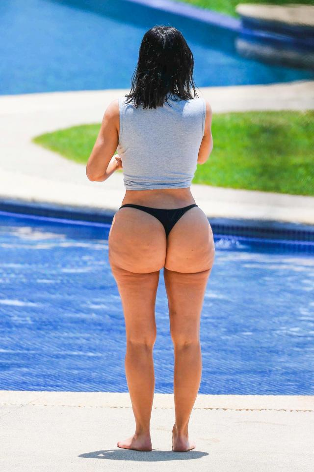 Kim Kardashian Shows Off Natural Unedited Bum Wearing A