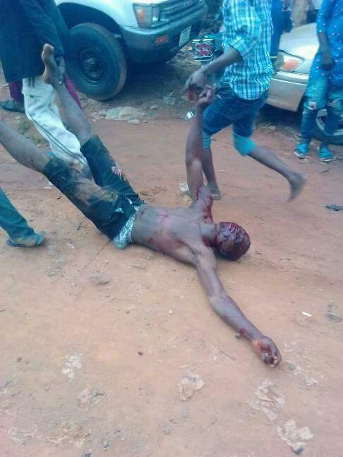 Angry Villagers Lynched Alleged Kidnappers Caught in Taraba State (Graphic Photos)