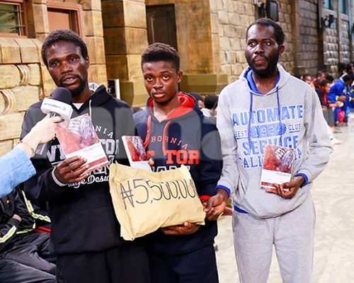 Nigerian Deportees from Libya All Smiles as Prophet TB Joshua Blesses Them with Cash Gifts (Photos)