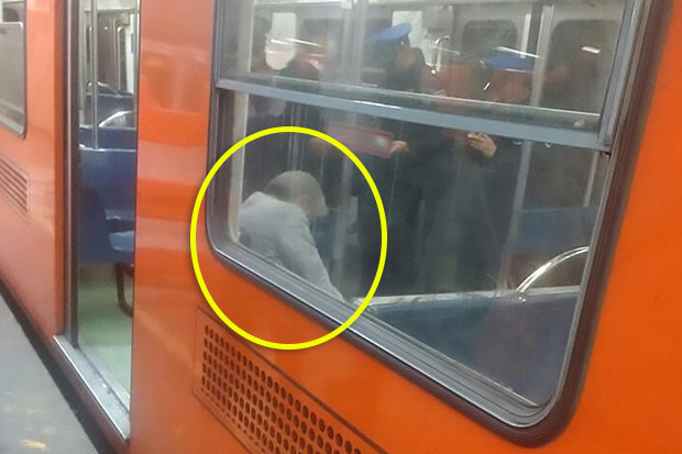 Unbelievable: Passengers Sat Next to This Old Man For Hours Inside a Train Not Knowing He Was Dead