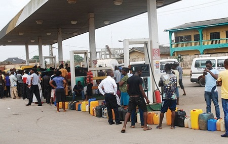 Motorists Jubilate as DPR Dispenses 8,000 Litres Of Petrol Free of Charge In Zamfara