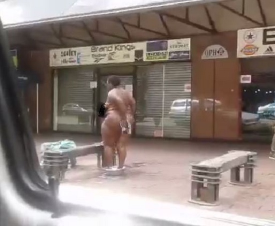 Goth girl anal fisting