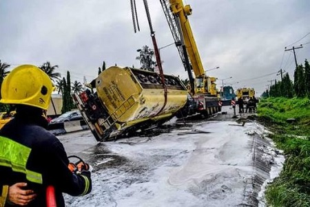 Tragedy averted as another tanker falls in Lagos - Daily