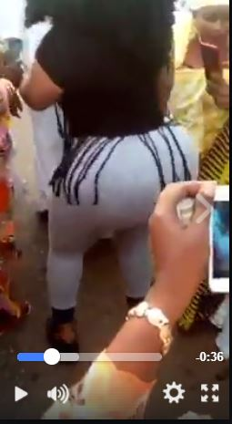 OH LA LA!! Watch How Nigerian Lady Shakes Her Hot Massive A$$ To