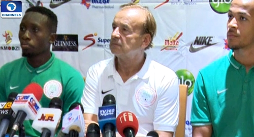 World Cup Qualifier: Super Eagles Coach, Rohr Threatens to Resign Ahead of Cameroon Clash
