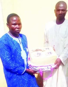 This Herbalist and His Gang Members Were Nabbed for Selling Fake $400,000 For N20,000 (Photo)