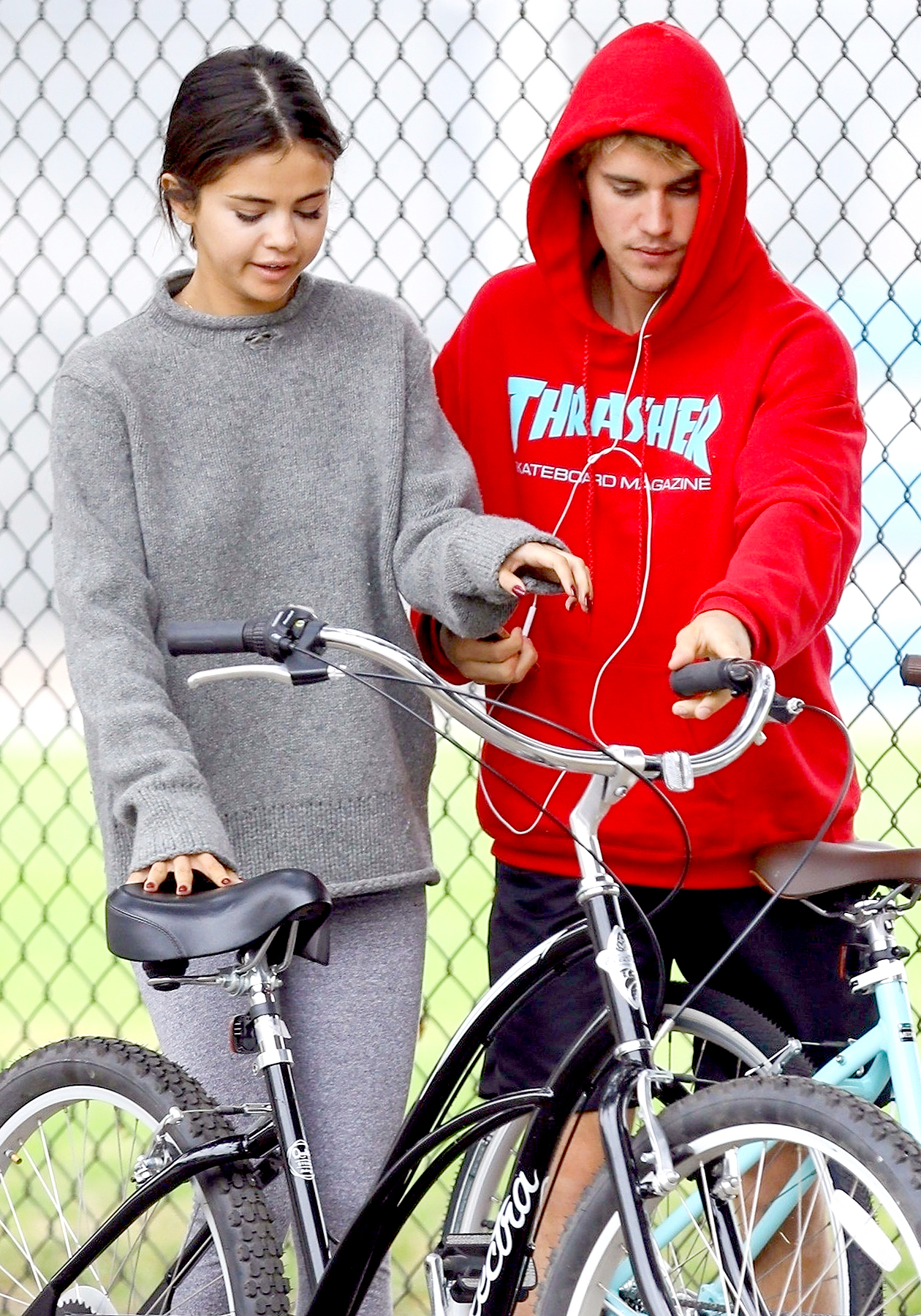 Justin Bieber and Selena Gomez Officially Back After His Pastor's Intervention