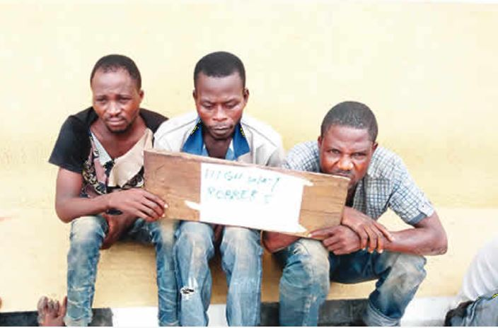 Notorious Cab Driver Who Specializes in Robbing His Passengers Arrested with His Gang Members in Ogun State (Photo)