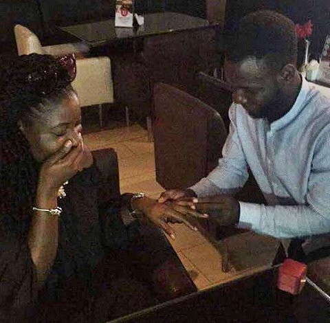 Nigerian Man Melt Hearts Online After Proposing to Single Mother and Her Daughter (Photos)
