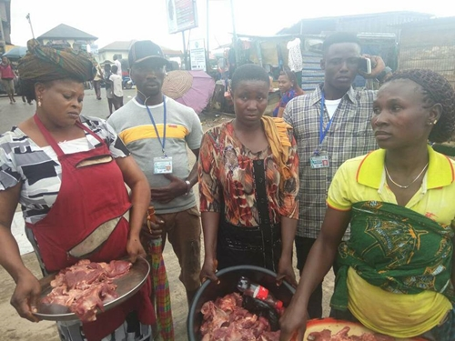 See Faces of Women and Man Caught Selling Vultures as Chicken Meat in Bayelsa (Photos)