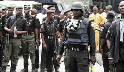 Policemen Narrowly Escape Lynching In Warri