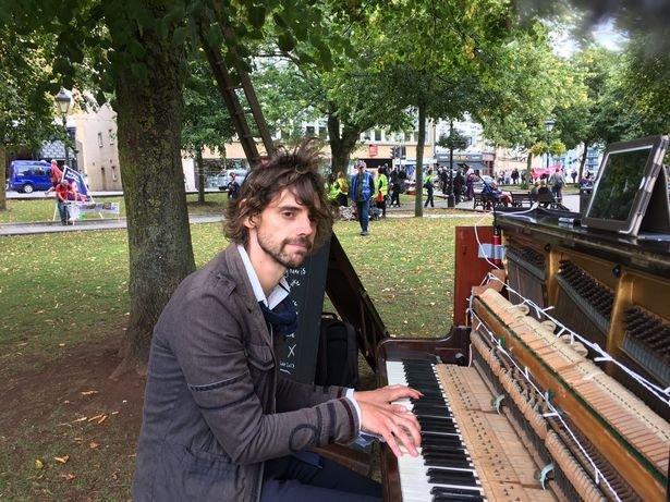 Heartbroken Man Vows to Play Piano Non-stop Until His Ex Girlfriend of 4-months Takes Him Back (Photos+Video)