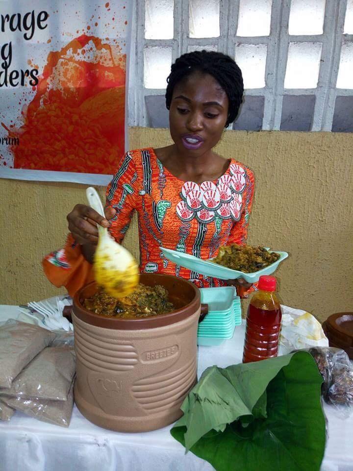 (Photo) Akwa Ibom State Governor Grants Orphaned Undergraduate Food Vendor N1m