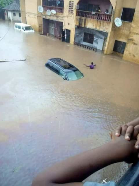 Massive Flood Displace Hundreds of Residents After 12 Hour Rainfall in Owerri, Imo State (Photos)