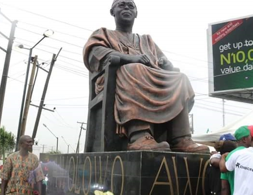 (Photos) Lagos State Governor Unveils Statue of Legendary Chief Obafemi Awolowo in Ikeja