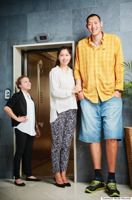 Meet The World's Tallest Married Couple (Photos)