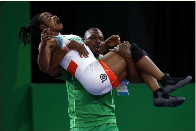 Nigerian Female Wrestler Shocks All After Winning Gold At Comonwealth Games (Photos)