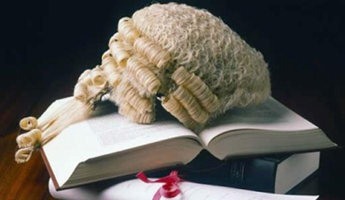 [Image: lawyer%20nabbed.JPG]