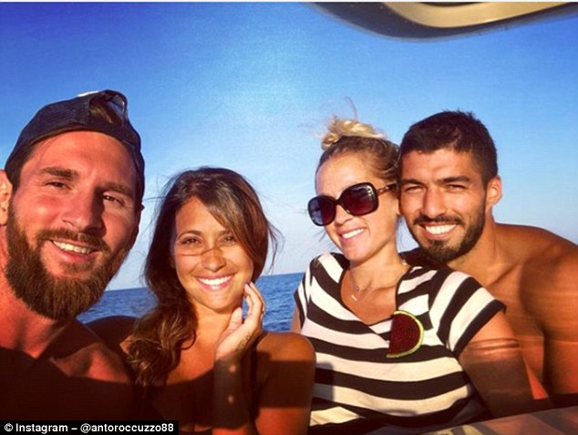 Barcelona Stars, Messi And Suarez Spotted At The Sea As They Enjoy Time Off With Their Wives (Photos)