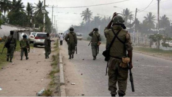 [Image: Nigeria%20soldiers.JPG]