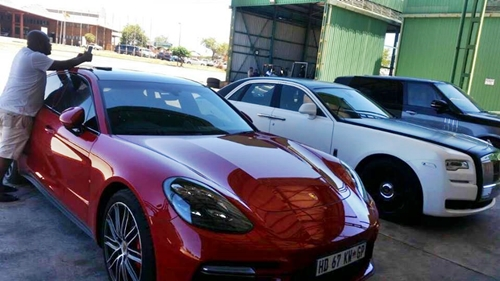 Luxury Cars Belonging To Grace Mugabe Stopped From Leaving Zimbabwe (Photos)
