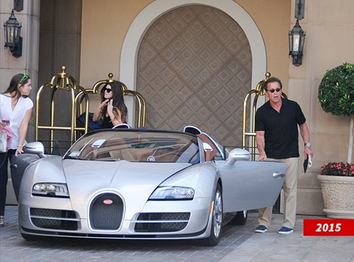 nigerian man buys hollywood actor arnold schwarzenegger 39 s bugatti veyron for 2 5 million. Black Bedroom Furniture Sets. Home Design Ideas