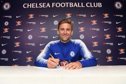 [Image: chelsea-new-signing-3.jpg]