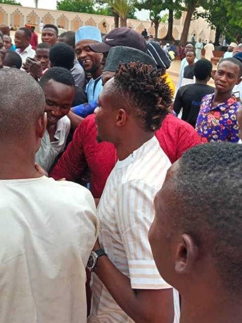 Super Eagles Star, Ahmed Musa Mobbed By Fans As He Visits Abuja Mosque For Prayers (Photos)