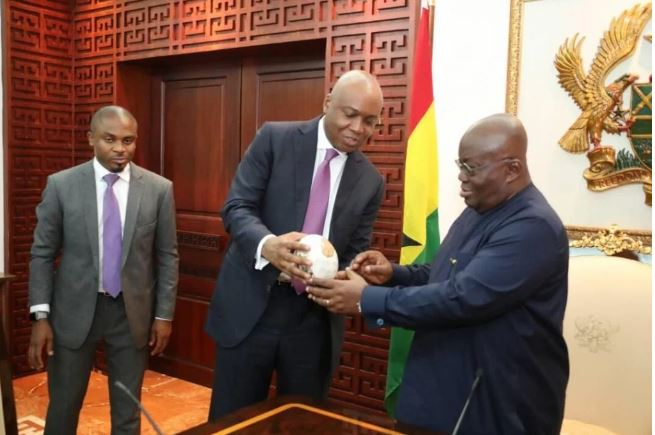 Saraki Gives President of Ghana, Nana Akufo-Addo An Ostrich Egg (Photos)