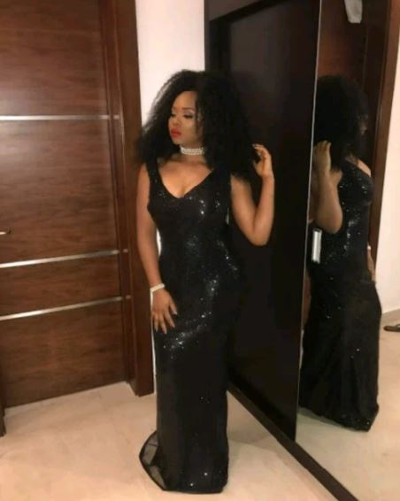 Nigerian Singer, Yemi Alade Arouses Fan With Her Birthday Photos
