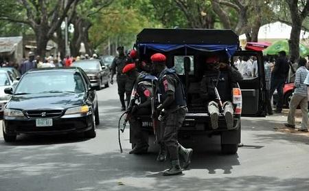 [Image: Nigerian%20Police.jpg]