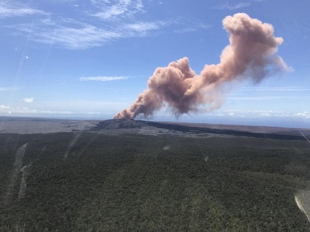 Thousands Flee Hawaii As Volcano Eruption Hits Residential Areas