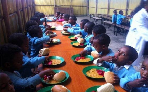 [Image: school%20feeding%20program.JPG]