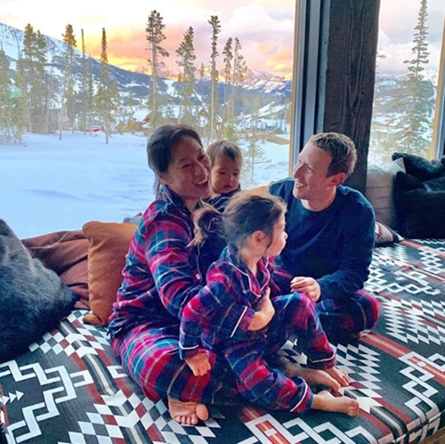 How Billionaire Facebook CEO, Zuckerberg Celebrated Thanksgiving With Family