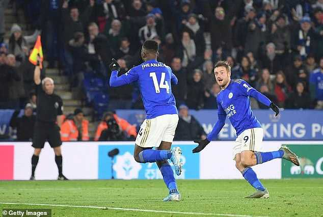 Kelechi Iheanacho scores against Everton