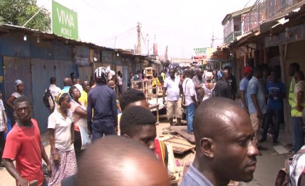 Nigerian shops shut down by Ghanians over border closure
