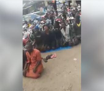 Muslims block road while praying