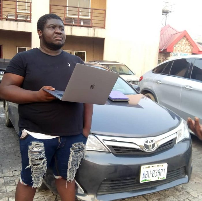 EFCC Arrests Yahoo Boys With Multi-million Naira Cars, Laptops & Expensive iPhones