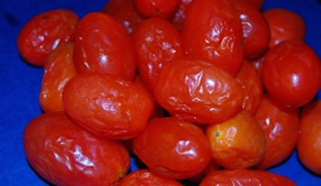 Did You Know Eating Rotten Tomatoes Can Give You This Deadly Disease?